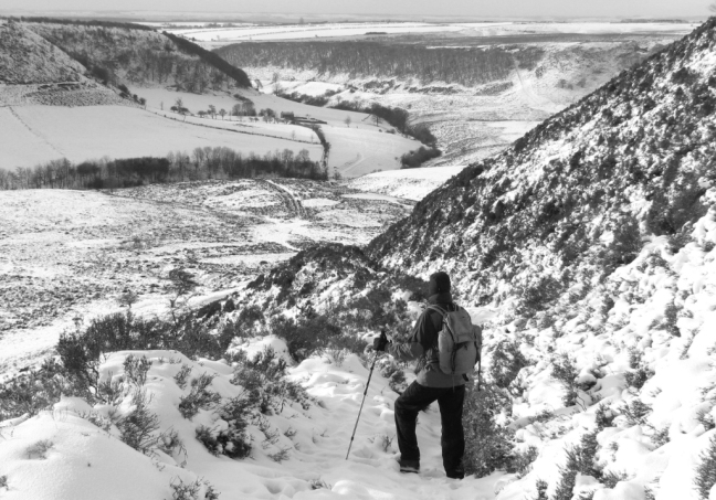 nymoors-hole-of-horcum-bw